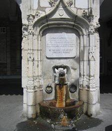 La Fontaine du Sanglier, place du Bayaà